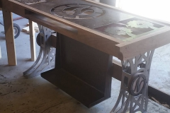 metal and wood gaming table