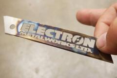 Laser-cutting-from-razor-blae